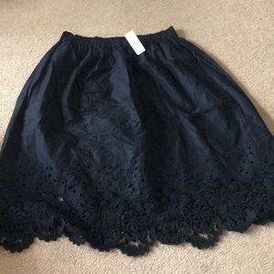 LOFT BRAND NEW BLACK SKIRT, women size small